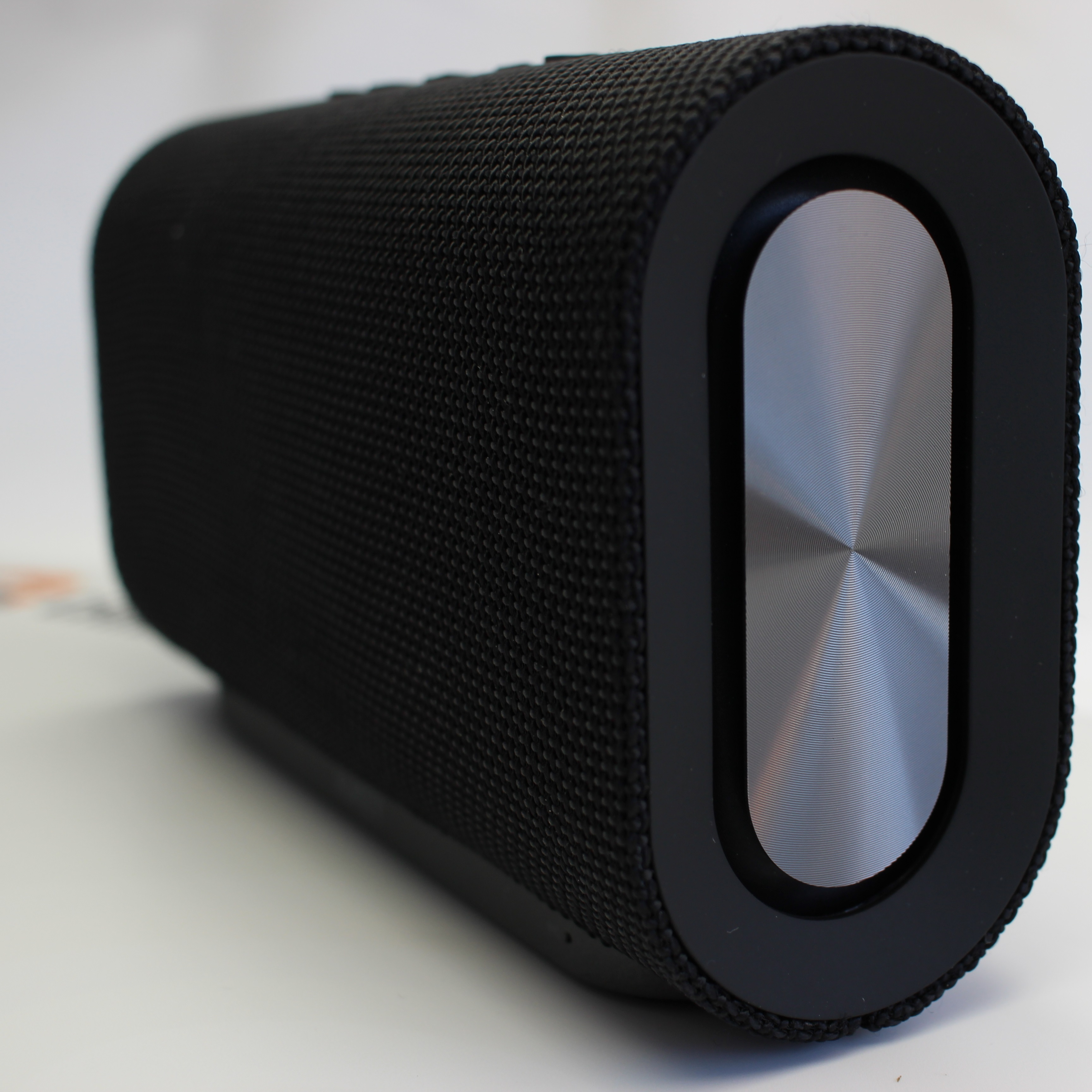 test aukey eclipse bluetooth speaker zwei passivstrahler. Black Bedroom Furniture Sets. Home Design Ideas