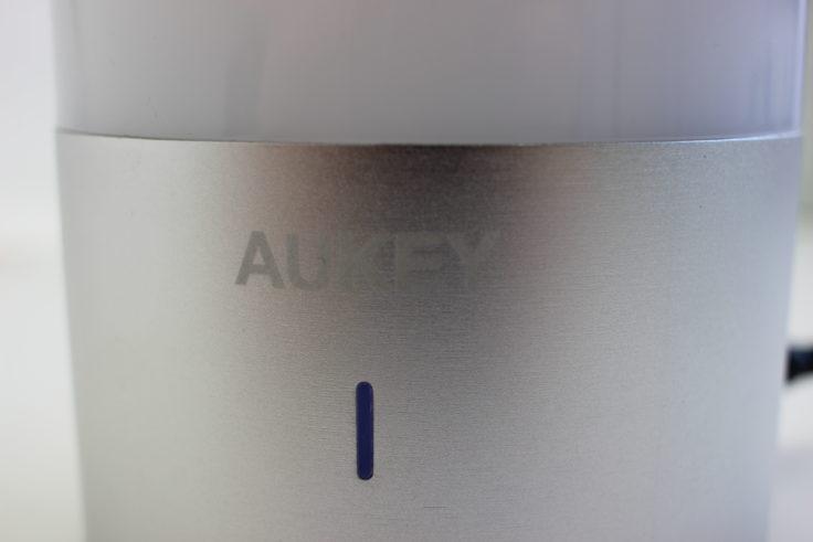 Aukey Nachttischlampe LED Anzeige
