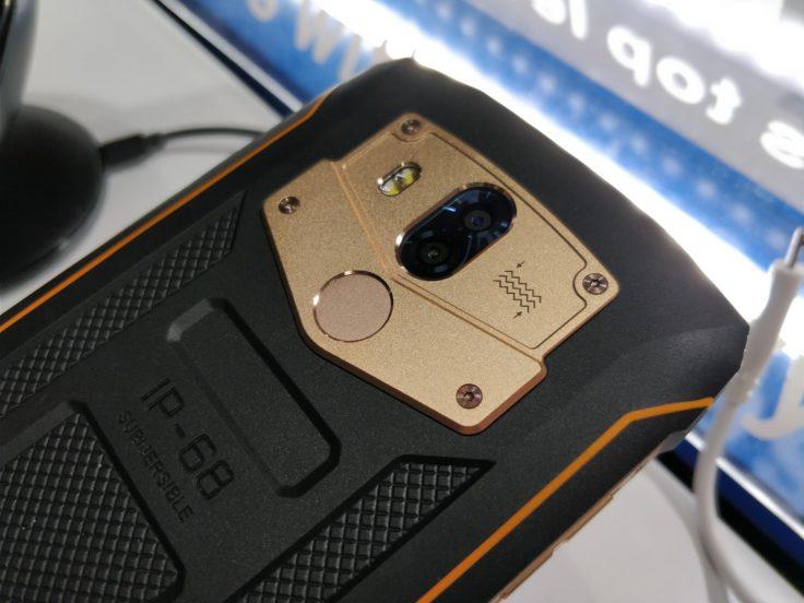 Kamera und Fingerabdrucksensor des Blackview BV5800 Pro Outdoor-Smartphones