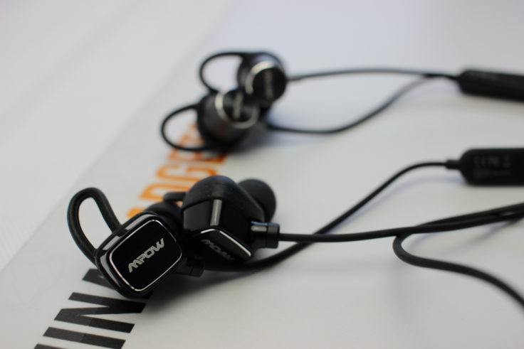 Mpow S3 Bluetooth In-Ears versus Mpow Judge