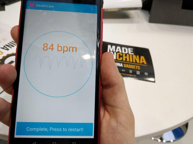 Pulsmessung beim Vernee V2 Smartphone