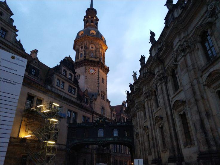 Xiaomi Mi Note 3 Kirche Dresden bei Dämmerung