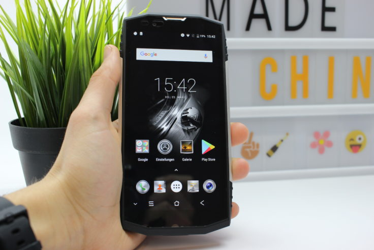Blackview BV9000 Outdoor Smartphone in Hand