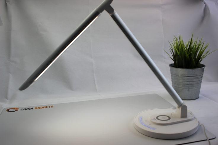 TaoTronics LED-Schreibtischlampe schwenkbarer Kopf