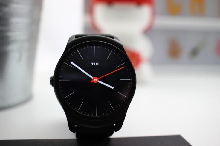 TicWatch 2 Smartwatch Display