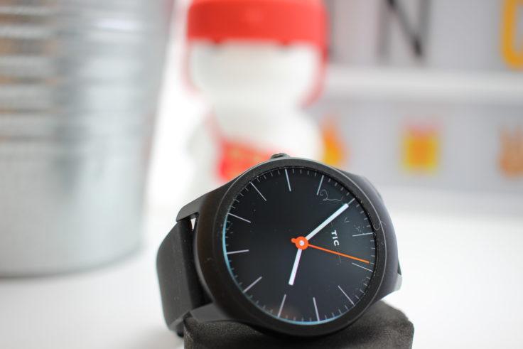 TicWatch 2 Smartwatch Display liegend