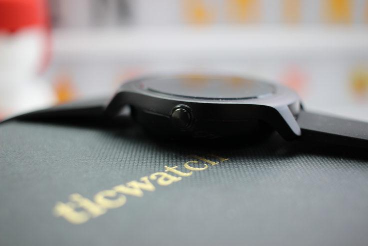 TicWatch 2 Smartwatch Knopf
