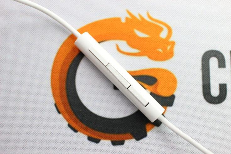 Xiaomi halb In-Ear Kopfhörer Bedienelement