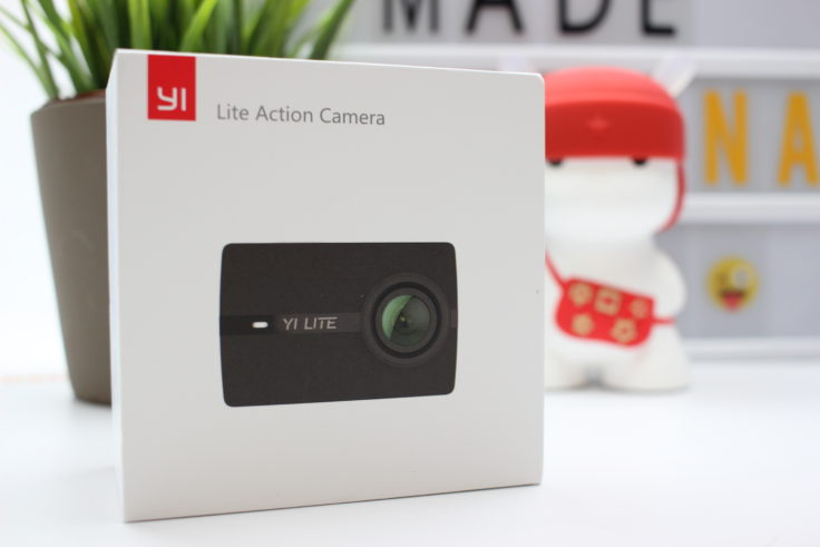 YI Lite Action Cam Box
