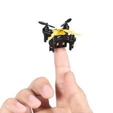Cheerson Stars-D Mini Drohne auf Fingerspitze