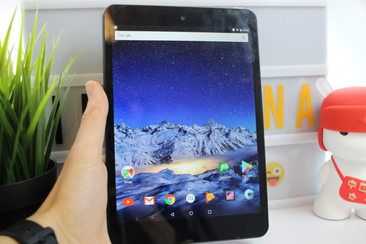 FNF iFive Mini 4S Tablet in Hand 2