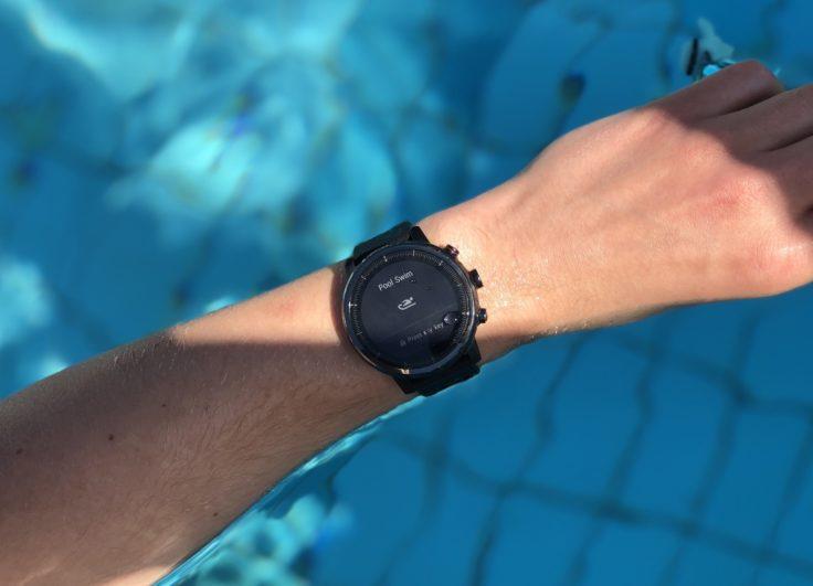 Huami Amazfit Stratos Test im Schwimmbecken