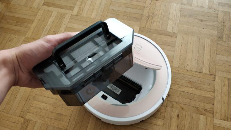 ILIFE V7S Plus Saugroboter Staubkammer einsetzen