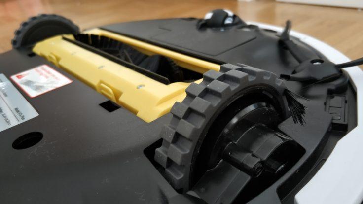 ILIFE V7S Plus Saugroboter Unterseite Reifen