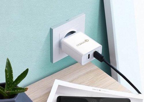UGREEN USB Ladegerät in Steckdose