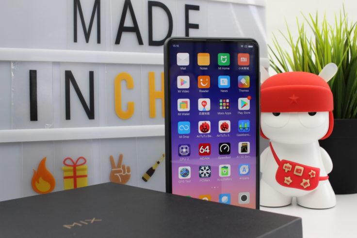 Xiaomi Mi Mix 2S Smartphone stehend