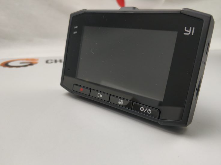 YI Ultra Dashcam Display