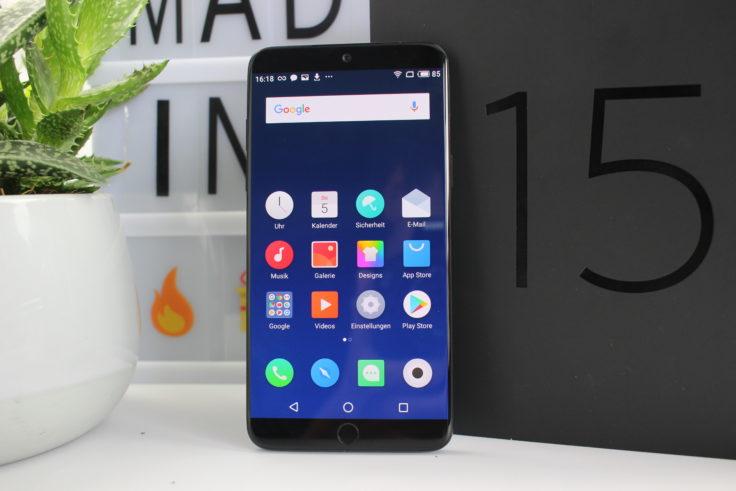 Meizu 15 Smartphone vor Box