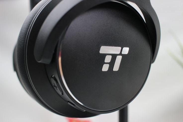 TaoTronics TT-BH40 Hörerrückseite