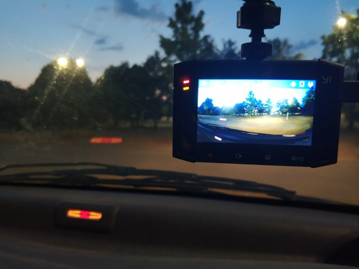 YI Ultra Dashcam Auto Display