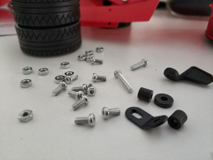 Micro Steel World Sportwagen Bausatz Schrauben und Einzelteile