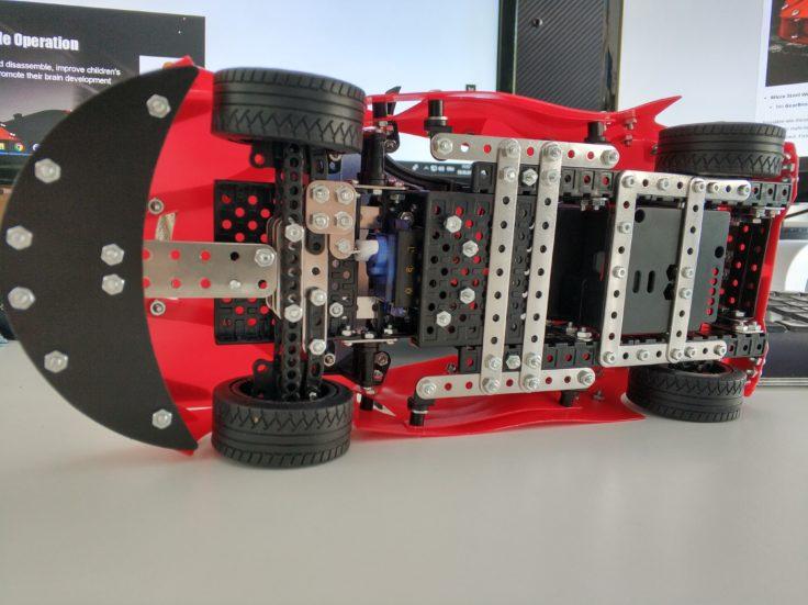 Micro Steel World Sportwagen Bausatz Unterseite