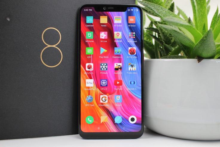 Xiaomi Mi 8 Explorer Edition Smartphone stehend