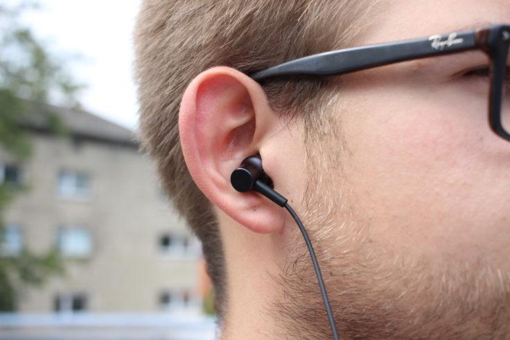 Xiaomi Mi Neckband Bluetooth In-Ear im Ohr