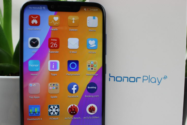 Honor Play Smartphone Display