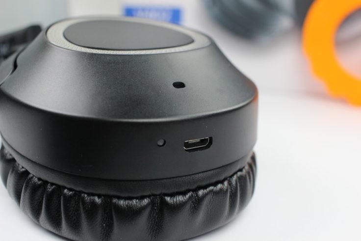 iDeaPLAY V402 Micro-USB Anschluss