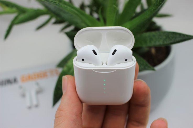 TWS i10 Ladebox mit Hörern