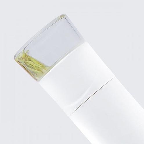 Teekanne mit Filter 45 Grad Winkel