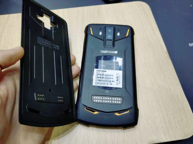 Doogee S90 Modul anbringen