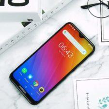Doogee Y8 Smartphone Display