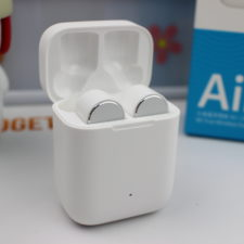 Xiaomi Mi AirDots Pro in Ladebox