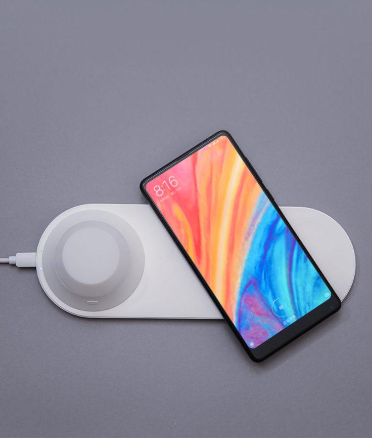 Yeelight Qi-Nachtlicht Smartphone