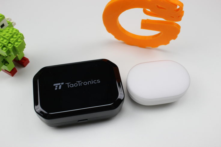 TaoTronics TT-BH052 Ladeschale Vergleich Mi AirDots