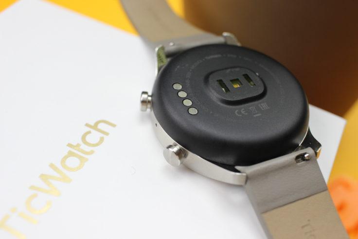 Ticwatch C2 Unterseite