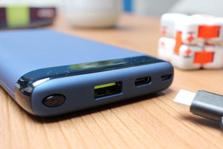 Omars 10.000 mAh Powerbank USB Ports