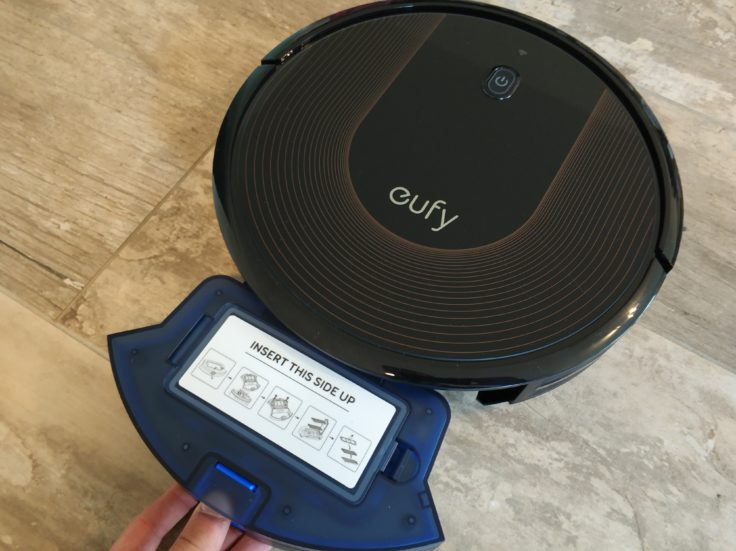 Anker eufy RoboVac 30C Saugroboter Staubkammer herausnehmen
