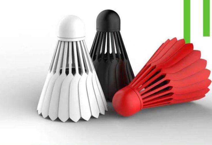 Federball-Lautsprecher in Weiß, Schwarz und Rot