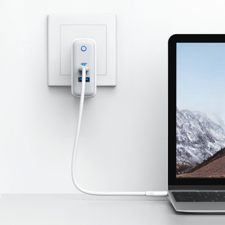Anker PowerPort+ III Netzadapter Laptop laden