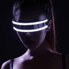 Die Festival LED-Brille fällt vor allem im Dunklen auf