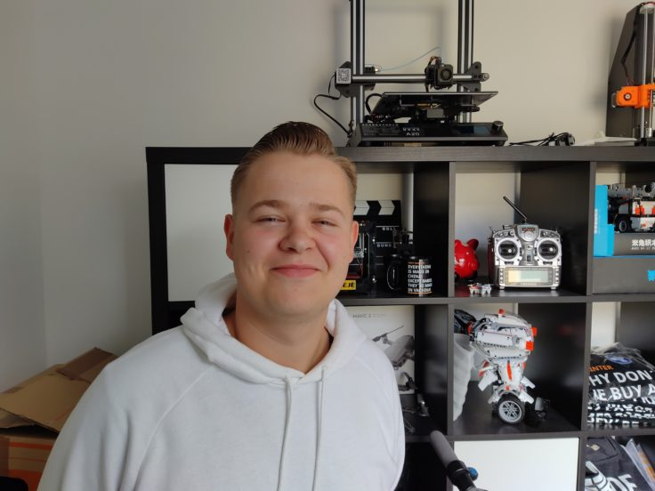 Lenovo Z6 Pro Testfoto Hauptkamera Person innen