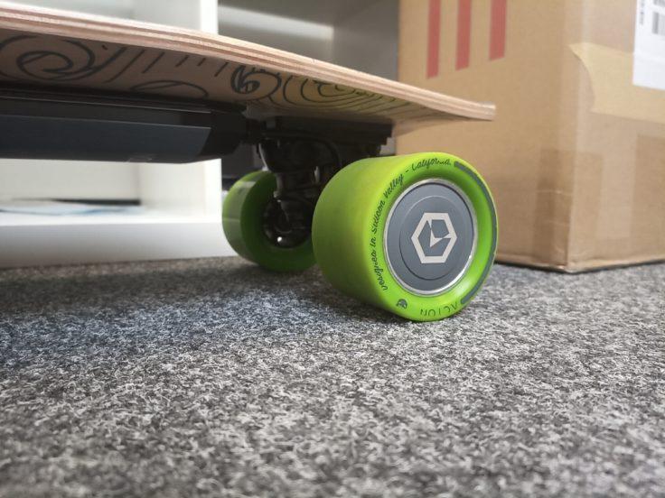 UMIDIGI F1 Play Testfoto Skateboard