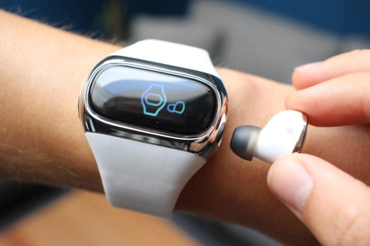 AiPower Wearbuds Fitness Tracker mit Kopfhörer