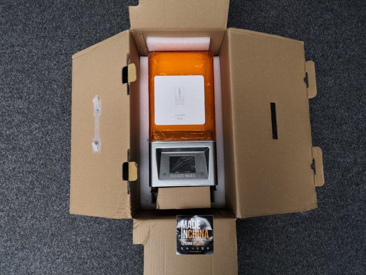 Elegoo Mars 3D-Drucker mit geöffneter Verpackung