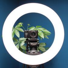 Craphy Ringlicht Kamera auf Stativ.