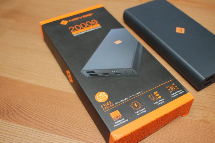 NOVOO Powerbank 20000 und Karton