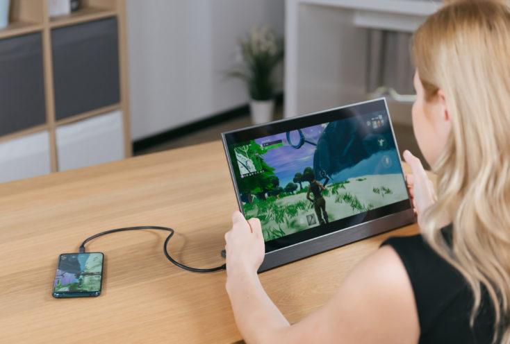 Odake BladeX Monitor mit Smartphone